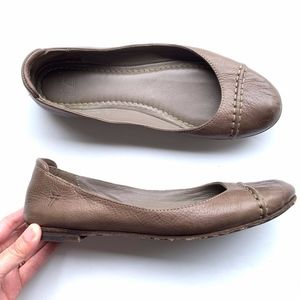 Frye Slip-on Round-Toe Flats Loafers Shoes